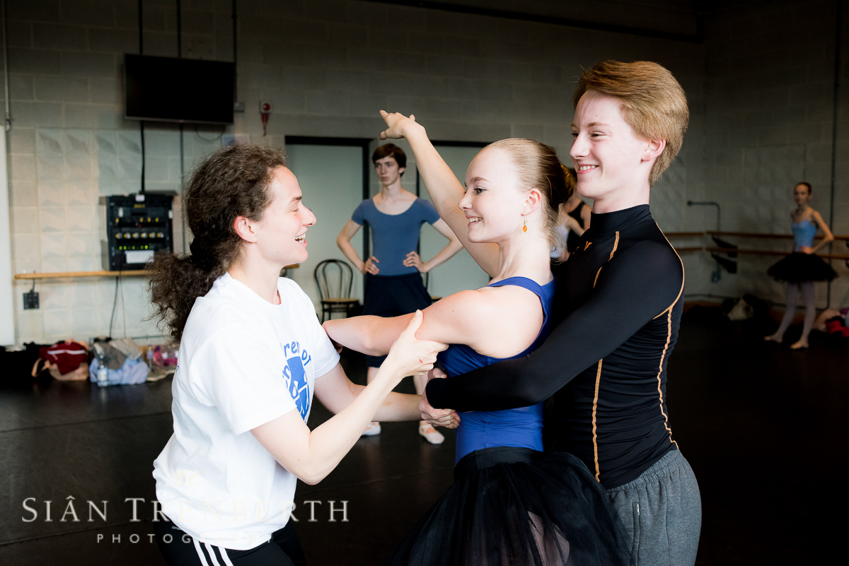 ballet-students-show-photographer390